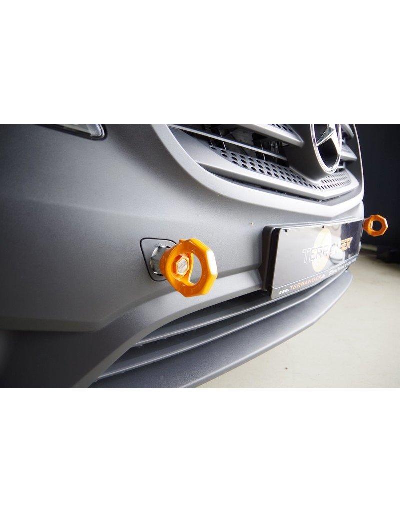 Einbau der verstärkten Abschleppösen, vorne, passend für Mercedes 447