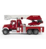 Bruder Bruder 2821 - Mack brandweer ladderwagen met waterpomp