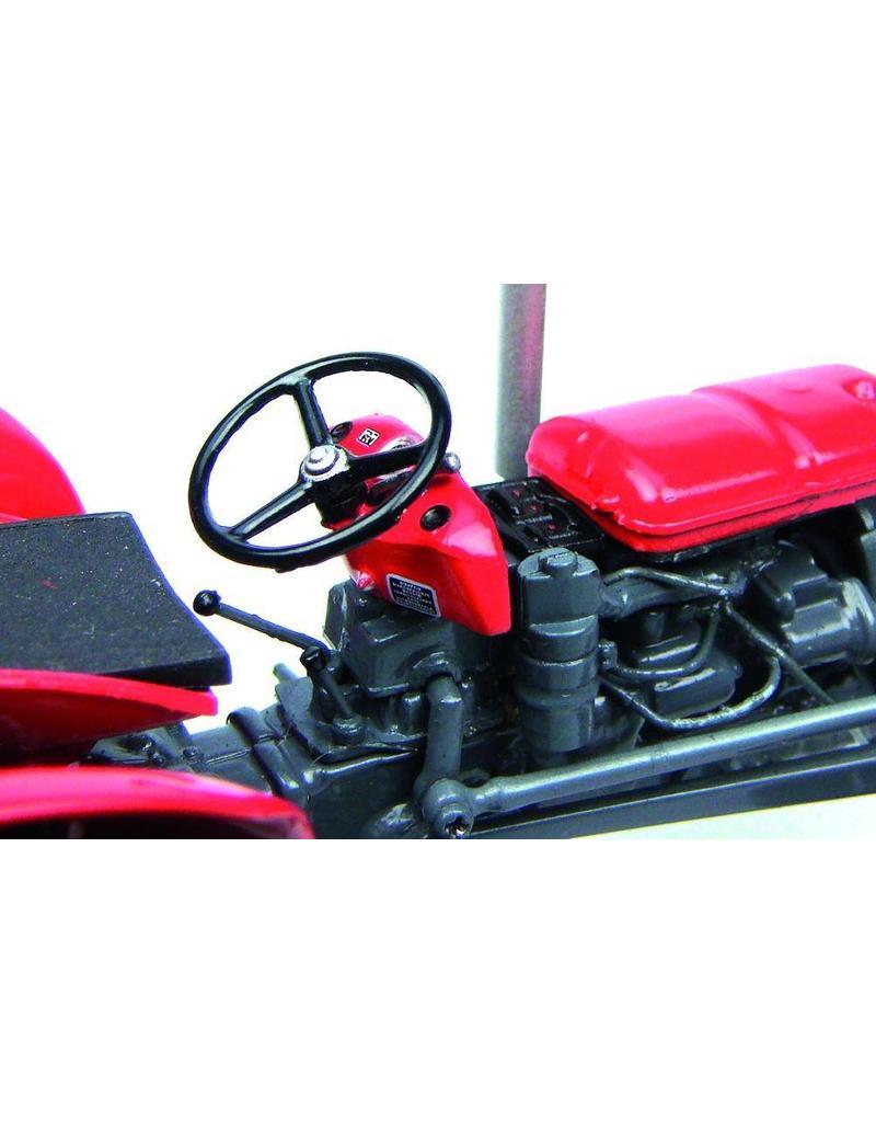 Universal Hobbies Universal Hobbies Massey Ferguson 35 X 1:32