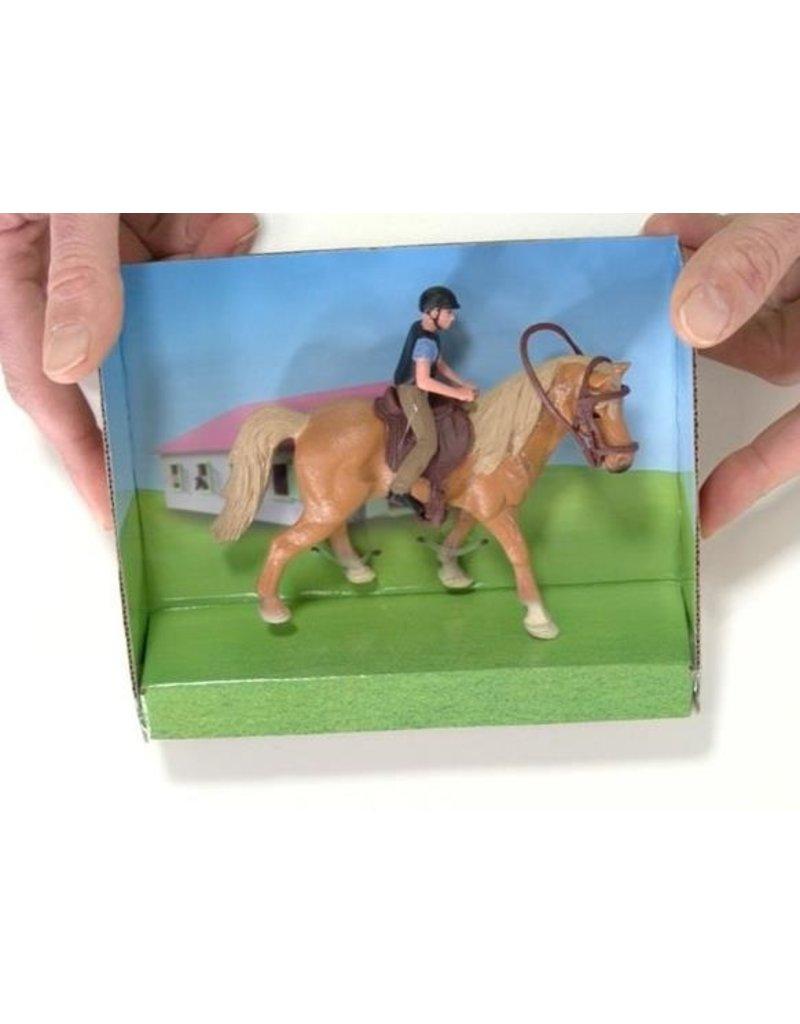 Kids Globe 640078A -  Paard (lichtbruin) met amazone 1:24 (geschikt voor SCHLEICH)