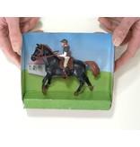Kids Globe Kids Globe 640078B - Paard (donkerbruin) met amazone 1:24 (geschikt voor SCHLEICH)