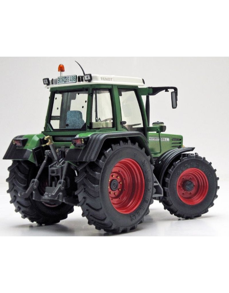 Weise Toys Weise Toys 1063 - Fendt Favorit 509 C 1:32