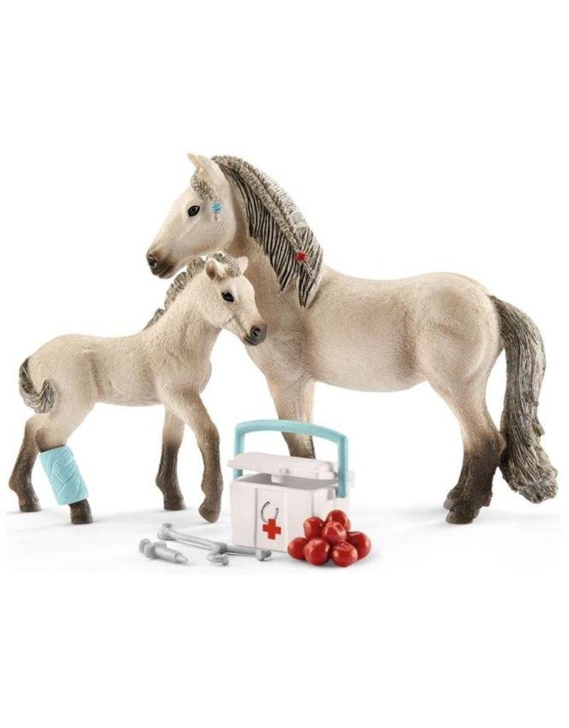 Schleich Schleick Horses 42430 - Rescue Set Horse Club Hannah