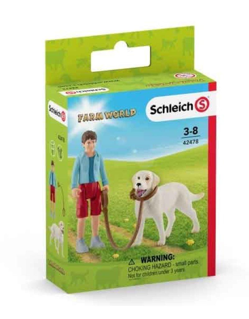 Schleich Schleich Farm 42478 - wandelen met labrador retriever