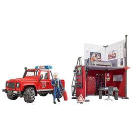 Bruder Bruder 62701 - Brandweerkazerne met Land Rover Defender
