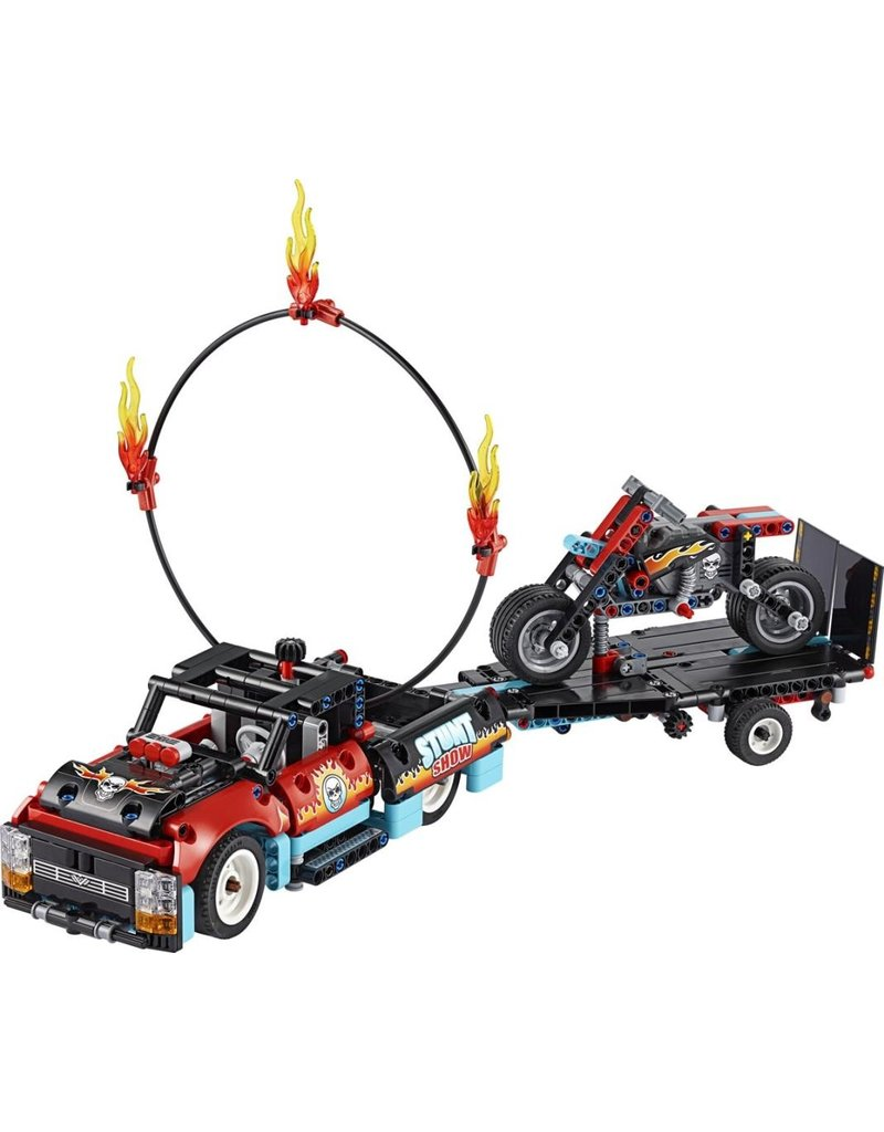 LEGO LEGO Technic 42106 - Truck en motor voor stuntshow