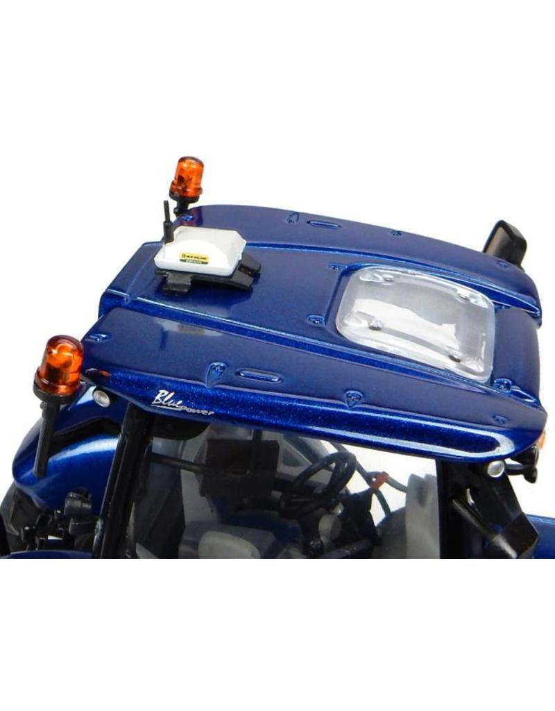 Universal Hobbies Universal Hobbies 4976 - New Holland T7.225 Blue power