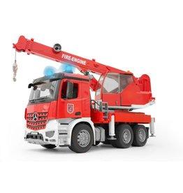Bruder Bruder 3675 - MB Arocs Kraanwagen Brandweer met licht en geluid