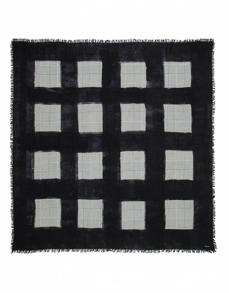 Magda scarf black and white check
