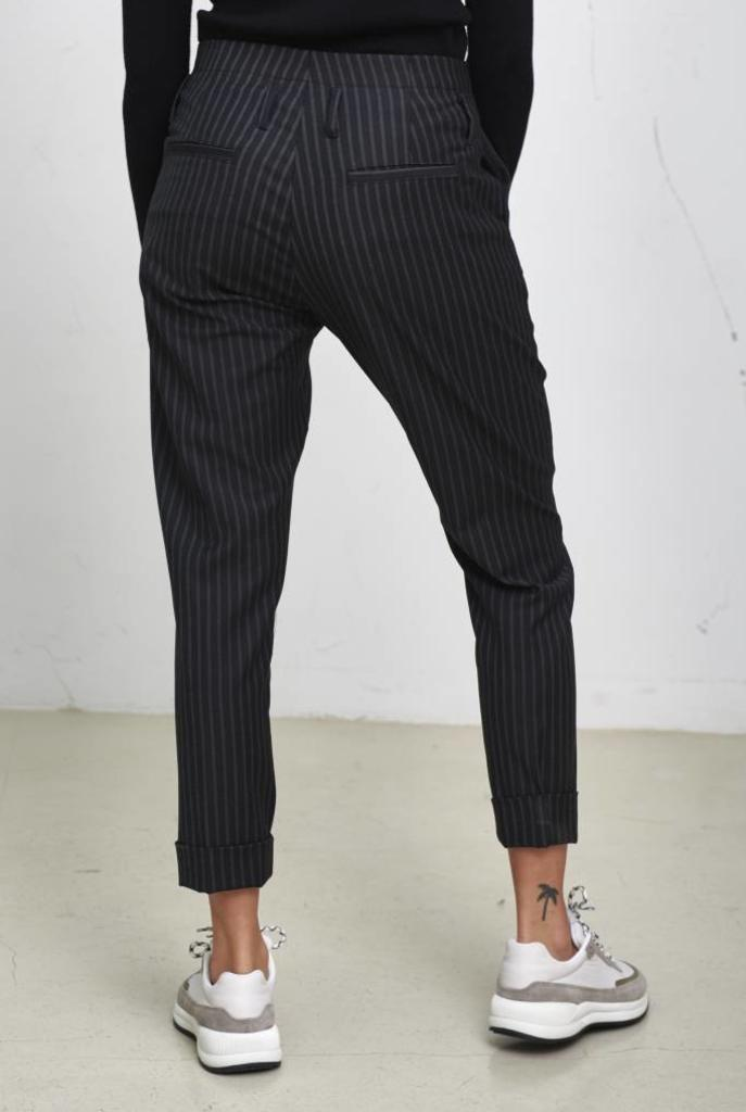Law trouser dark grey stripe
