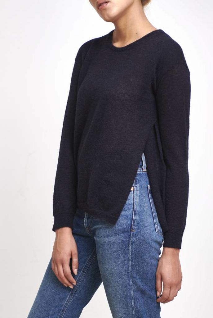 fine sweater with button dark blue