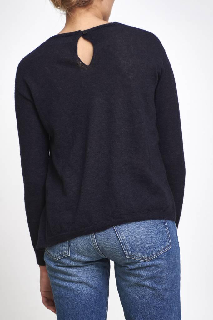 fine sweater with button dark blue