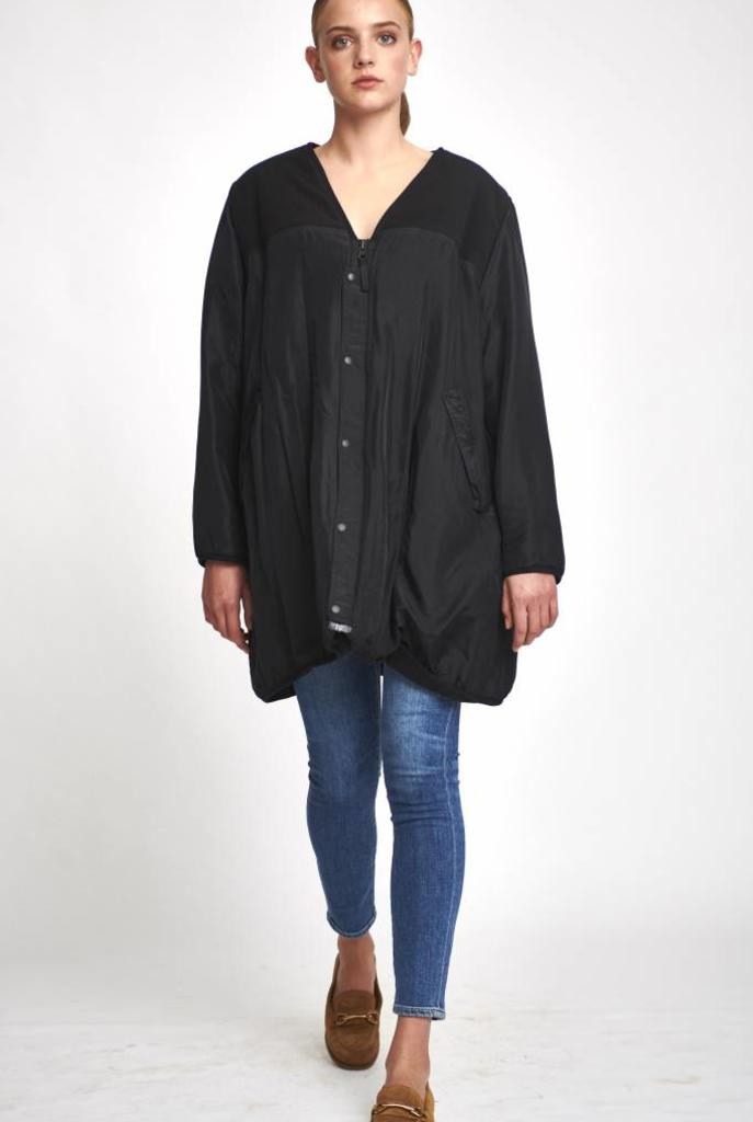 V neck reversible coat black