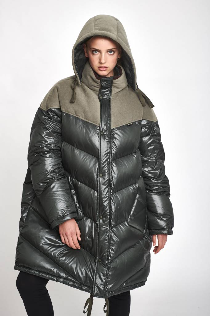 Stand Aloné Hooded quilted down filled coat army green