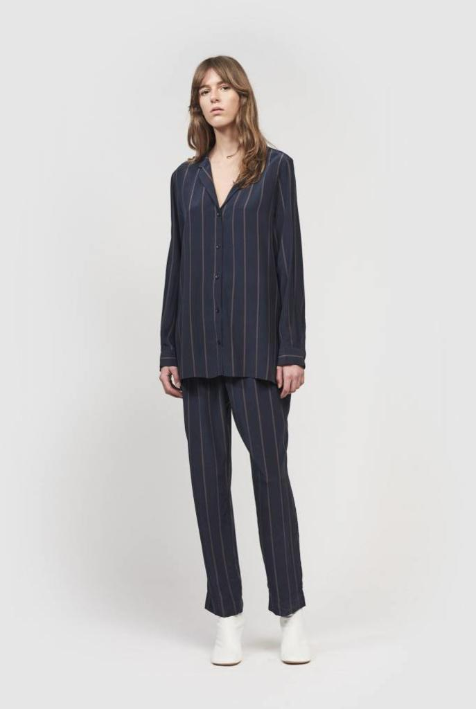 Jamie shirt navy/ peppercorn pin stripe