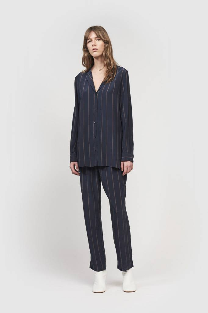 Kokoon Jamie shirt navy/ peppercorn pin stripe