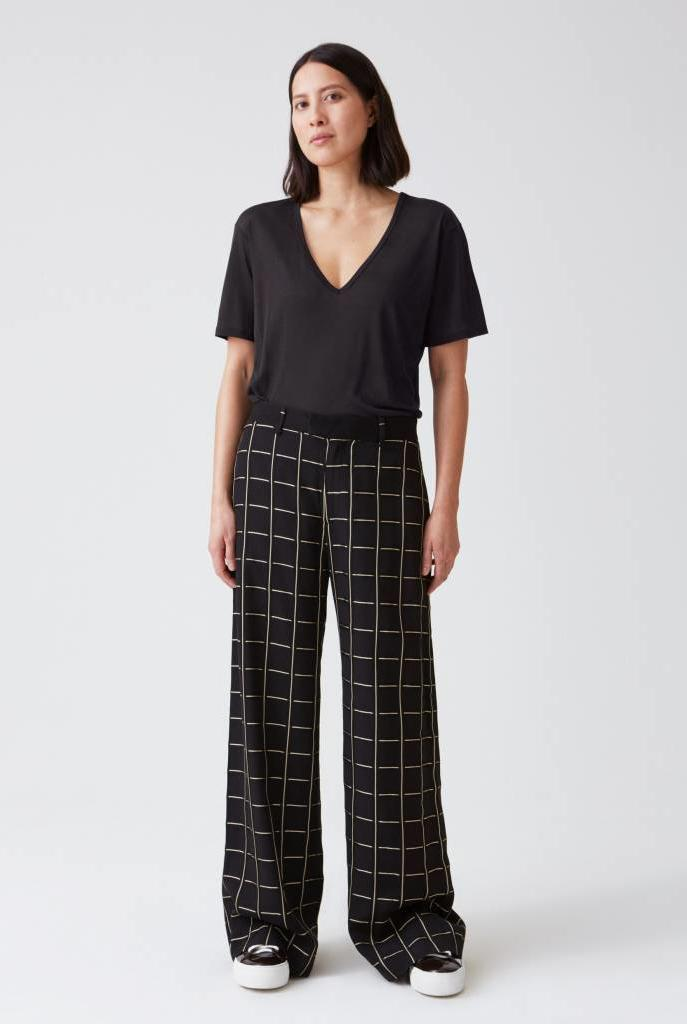 Forty trouser gold check