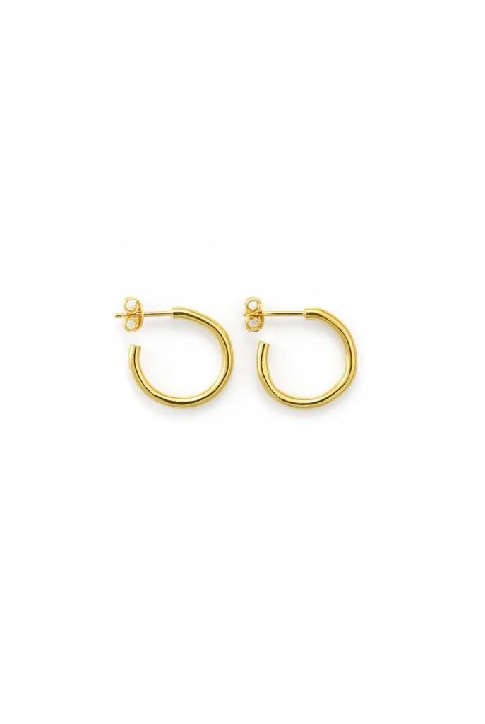 Martine Viergever Trochus small earrings gold