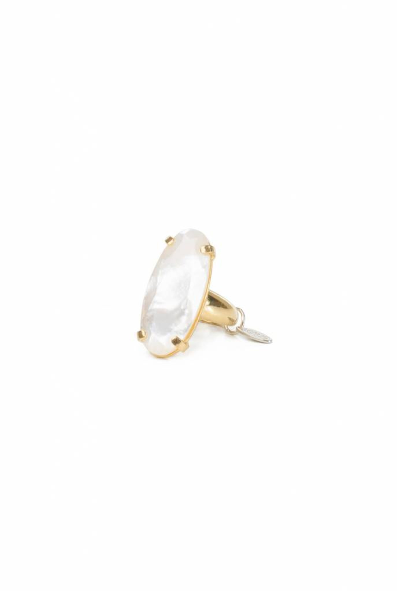 goldplated ring big oval m.o.p.
