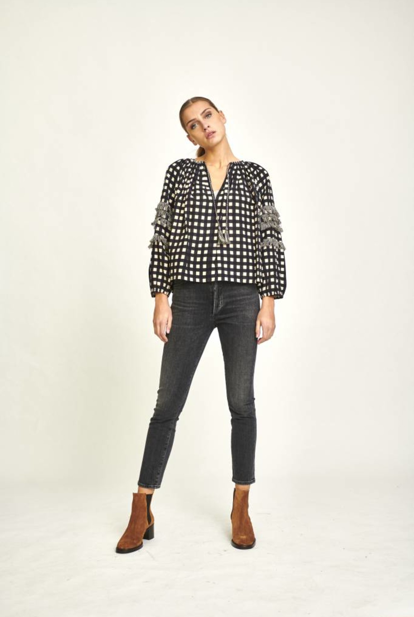 Anouk blouse black square