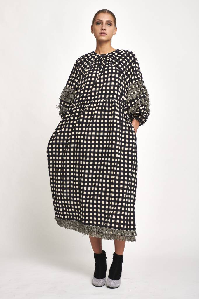 Francis dress black square
