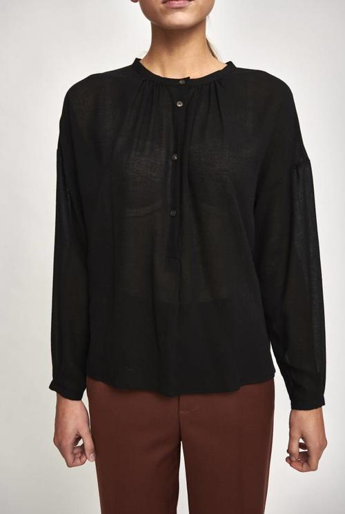 wool blouse round collar black