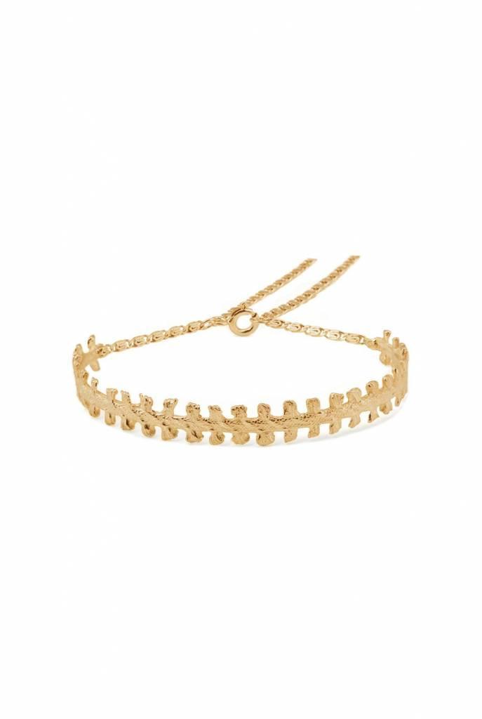 bracelet of notched cast ribbon
