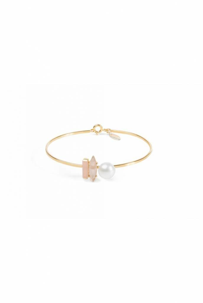 Delicate goldplated bracelet with sunstone, purple cat's eye and freshwater pearl