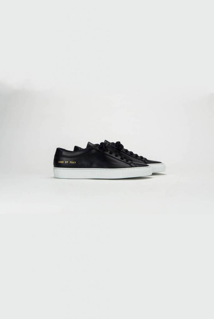 Achilles low sneaker black white sole