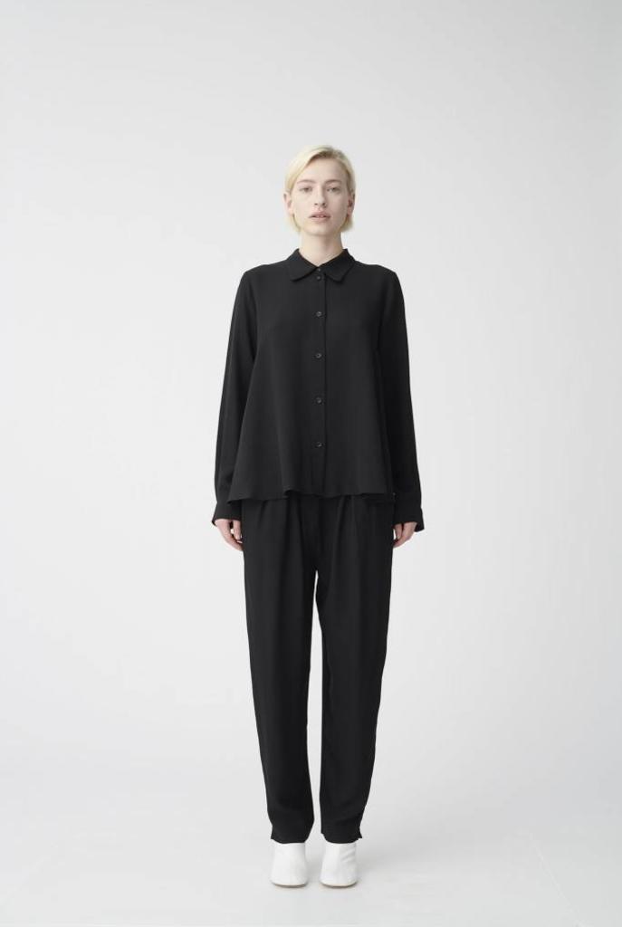 A shirt black