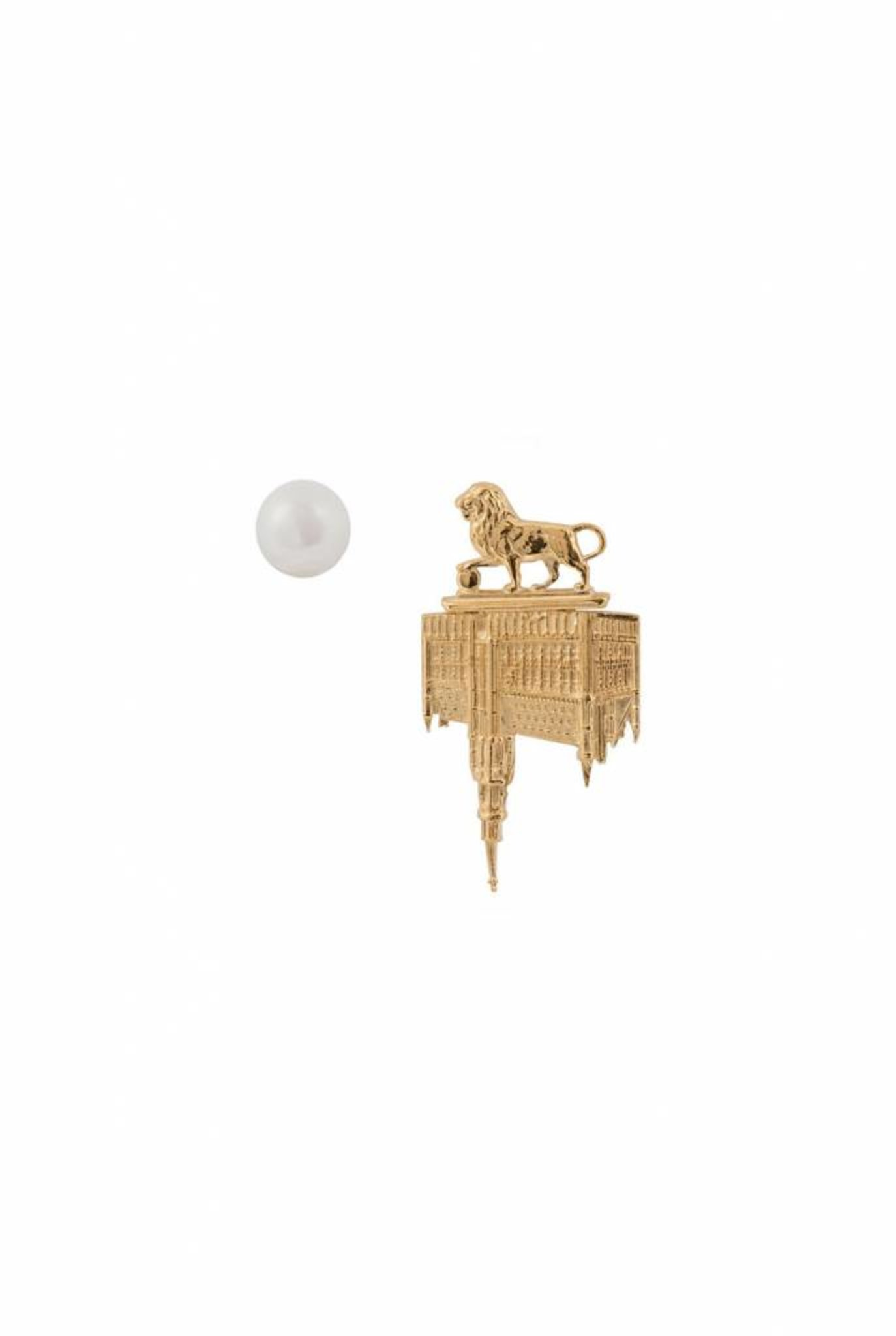 town hall lion and pearl earrings gold plated