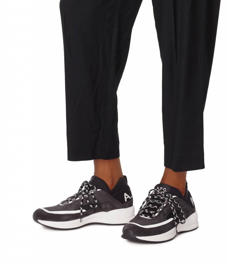 Run around sneakers black