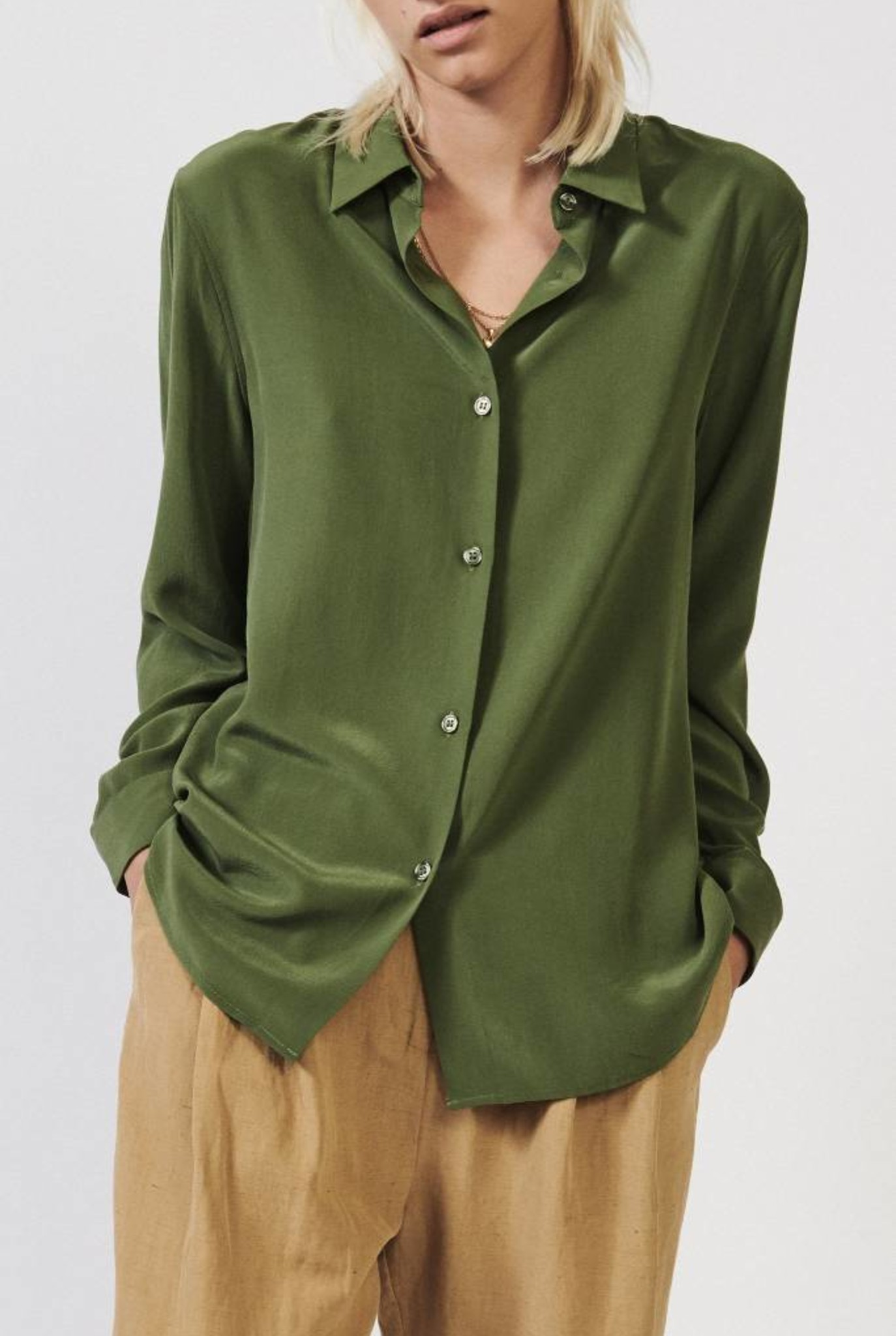 Sonja shirt moss green