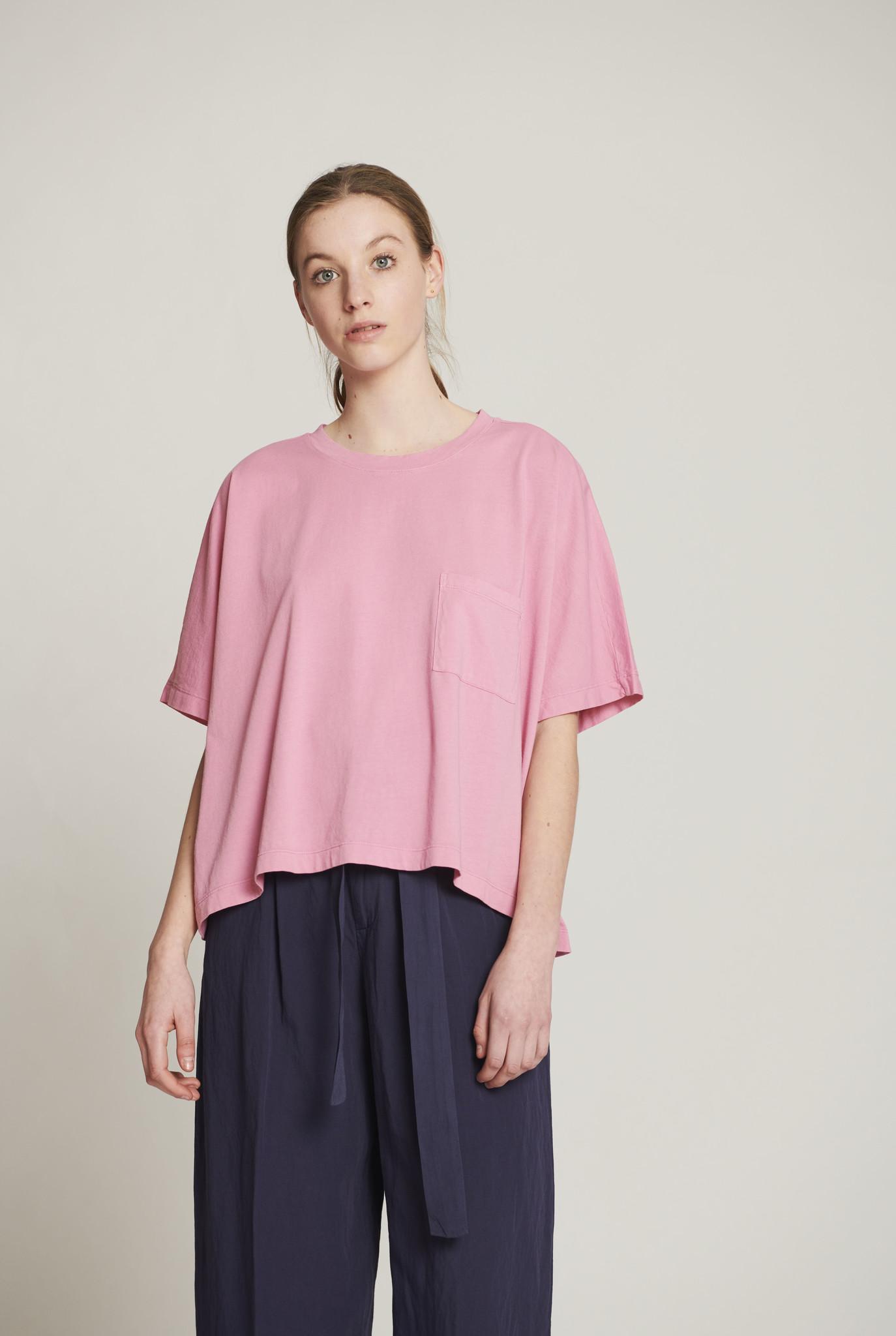 pocket t-shirt pink