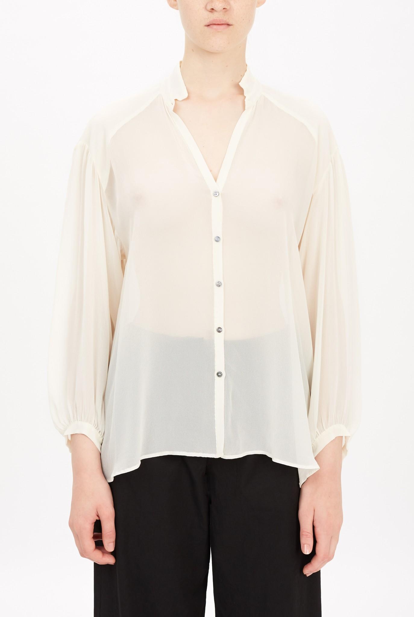 V-neck button blouse creme