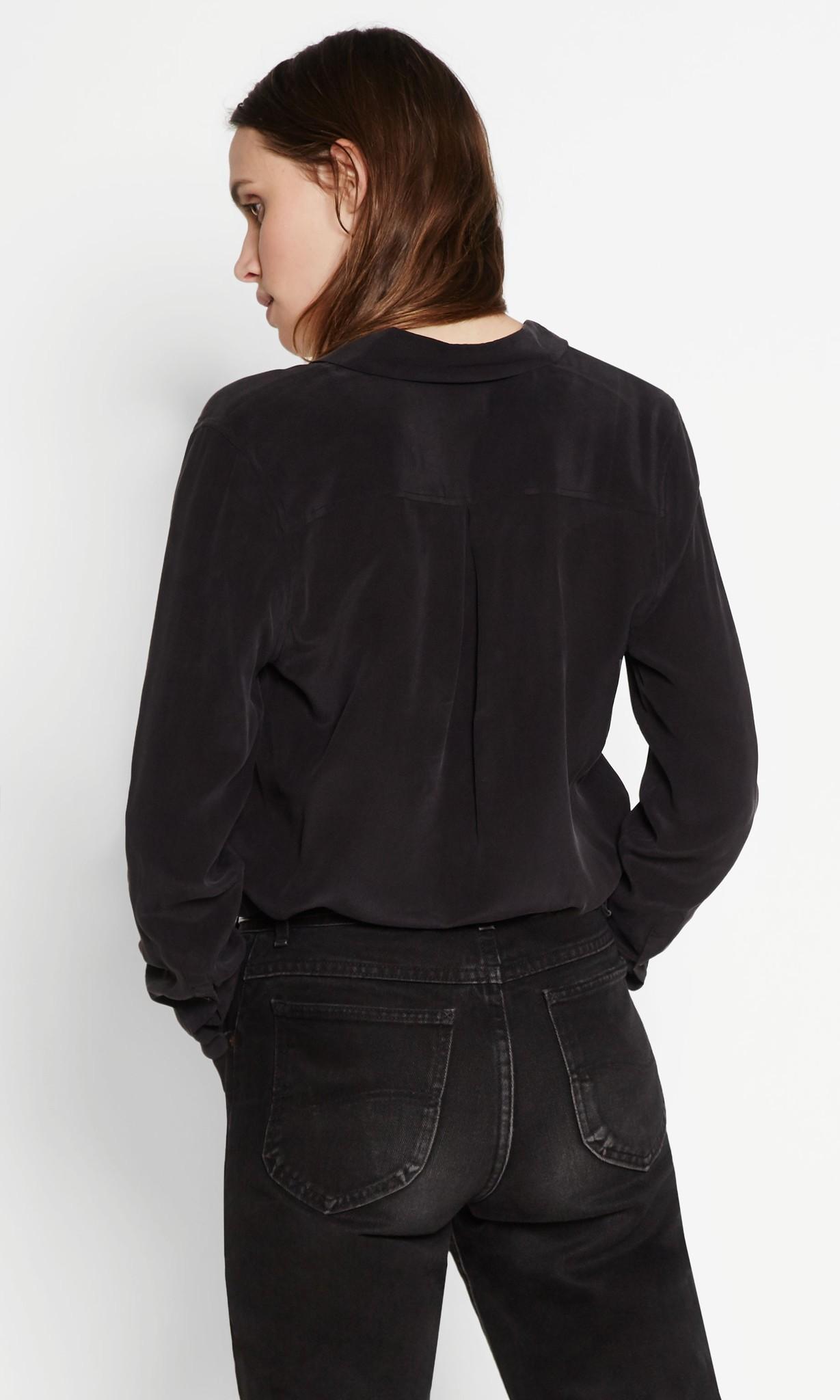 Essential blouse true black