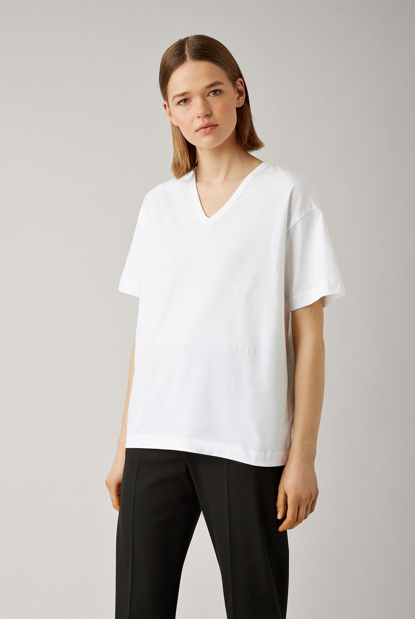 V neck perfect tee White
