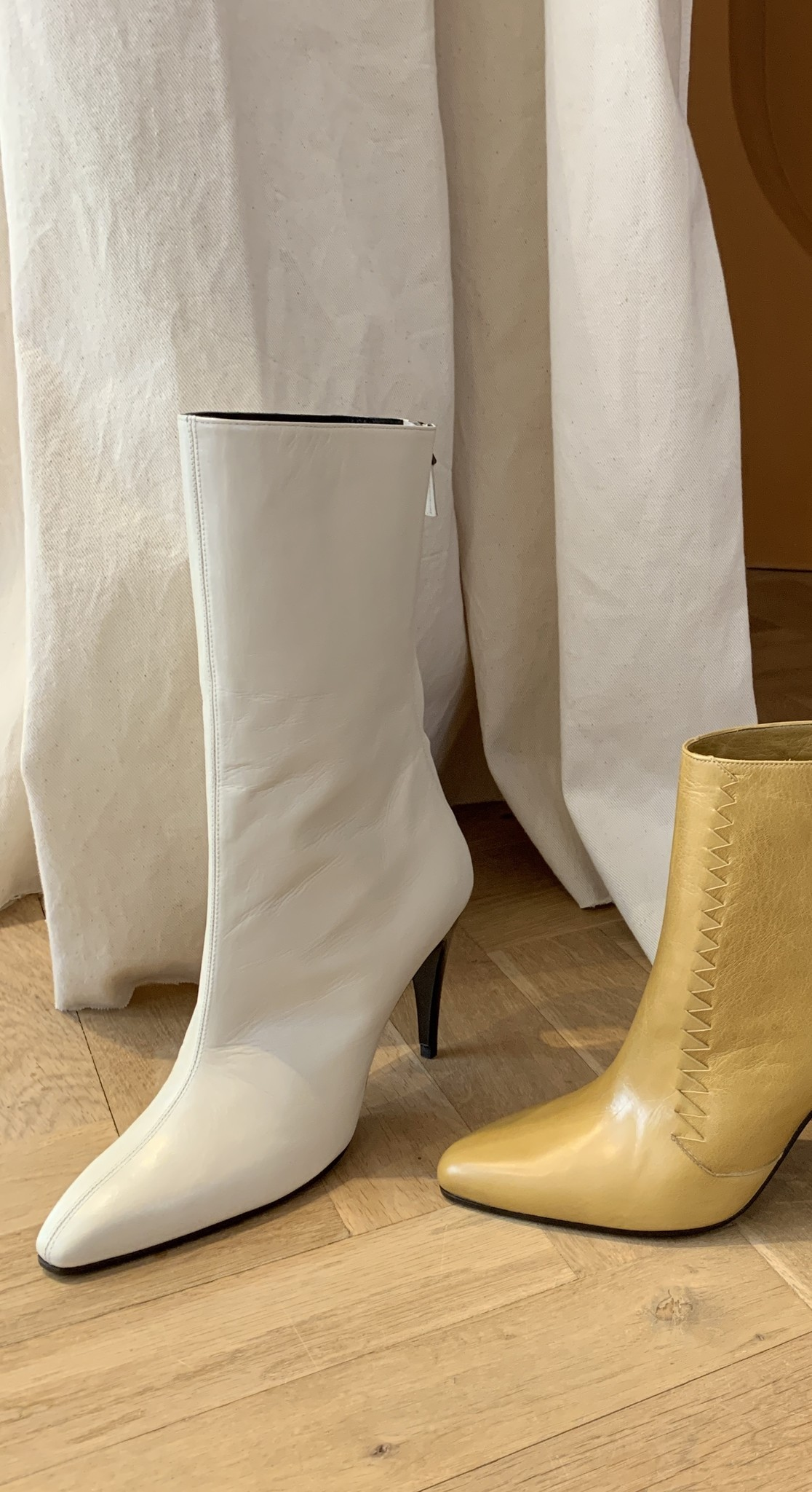 Cole boots cream white
