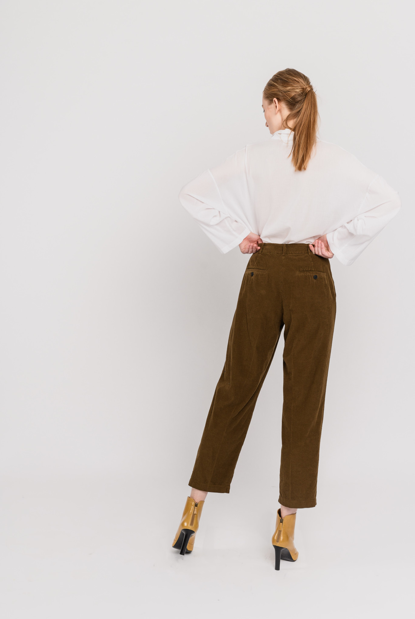Pleated trouser khaki corduroy