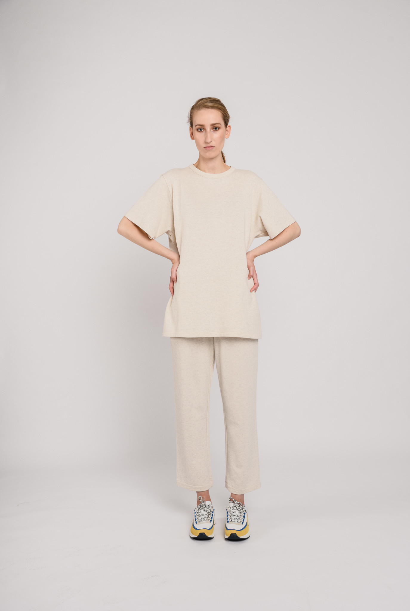 Pleated Wide Mary jogging pants Cream