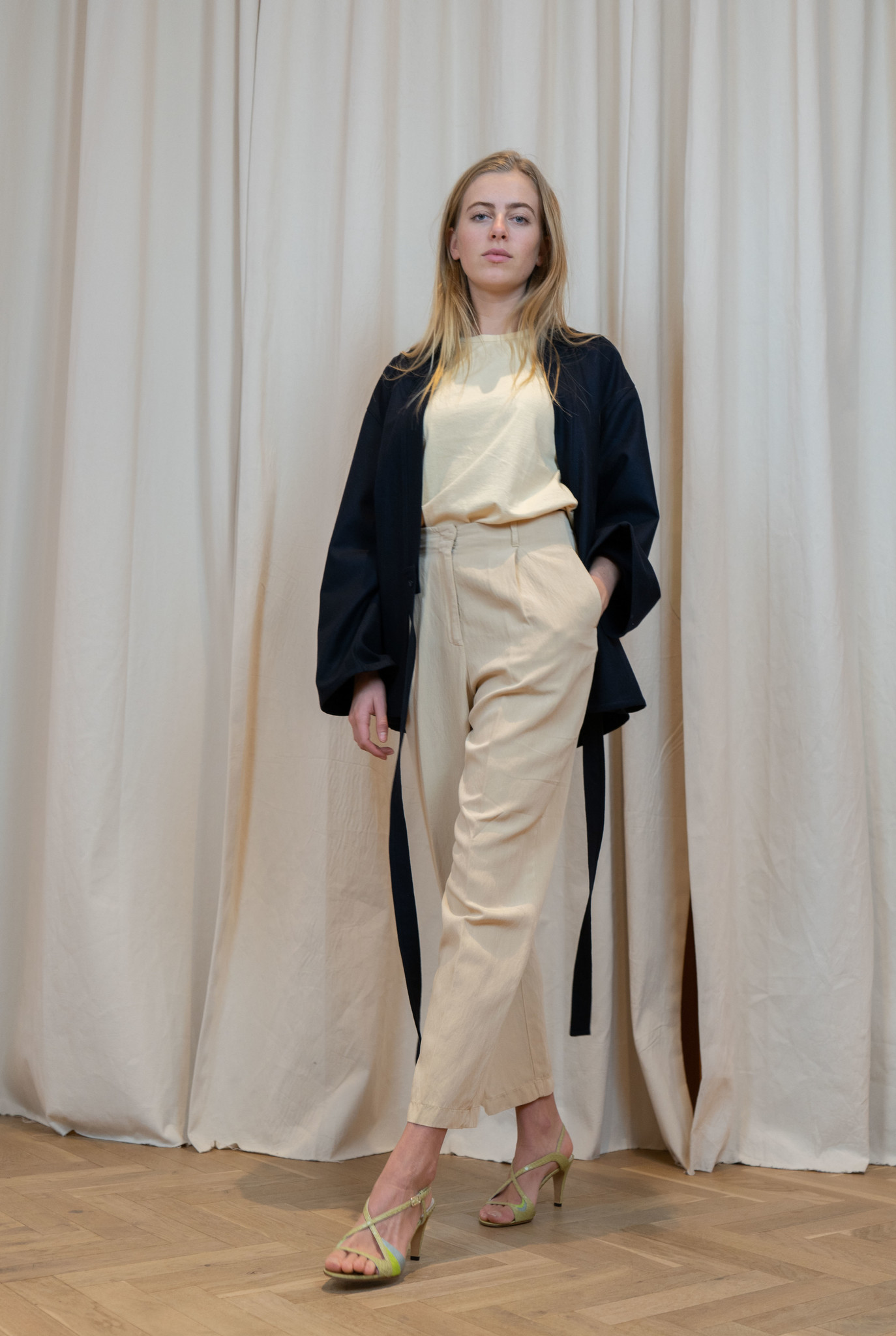 Pleated trouser Sand