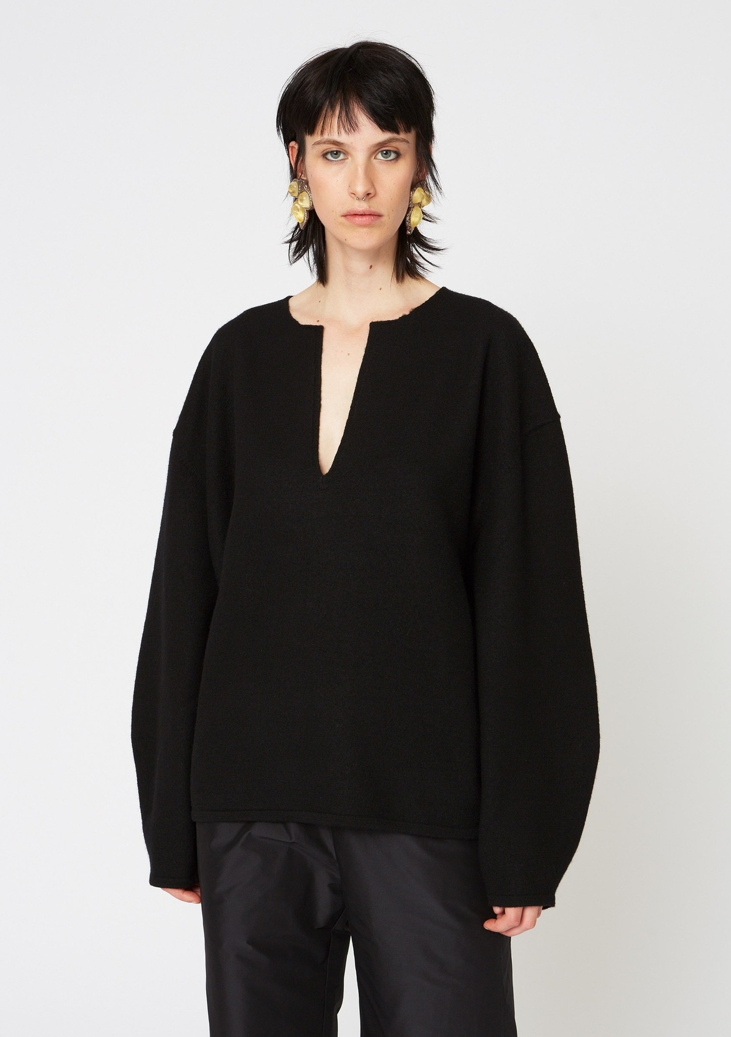 Expand Sweater Black