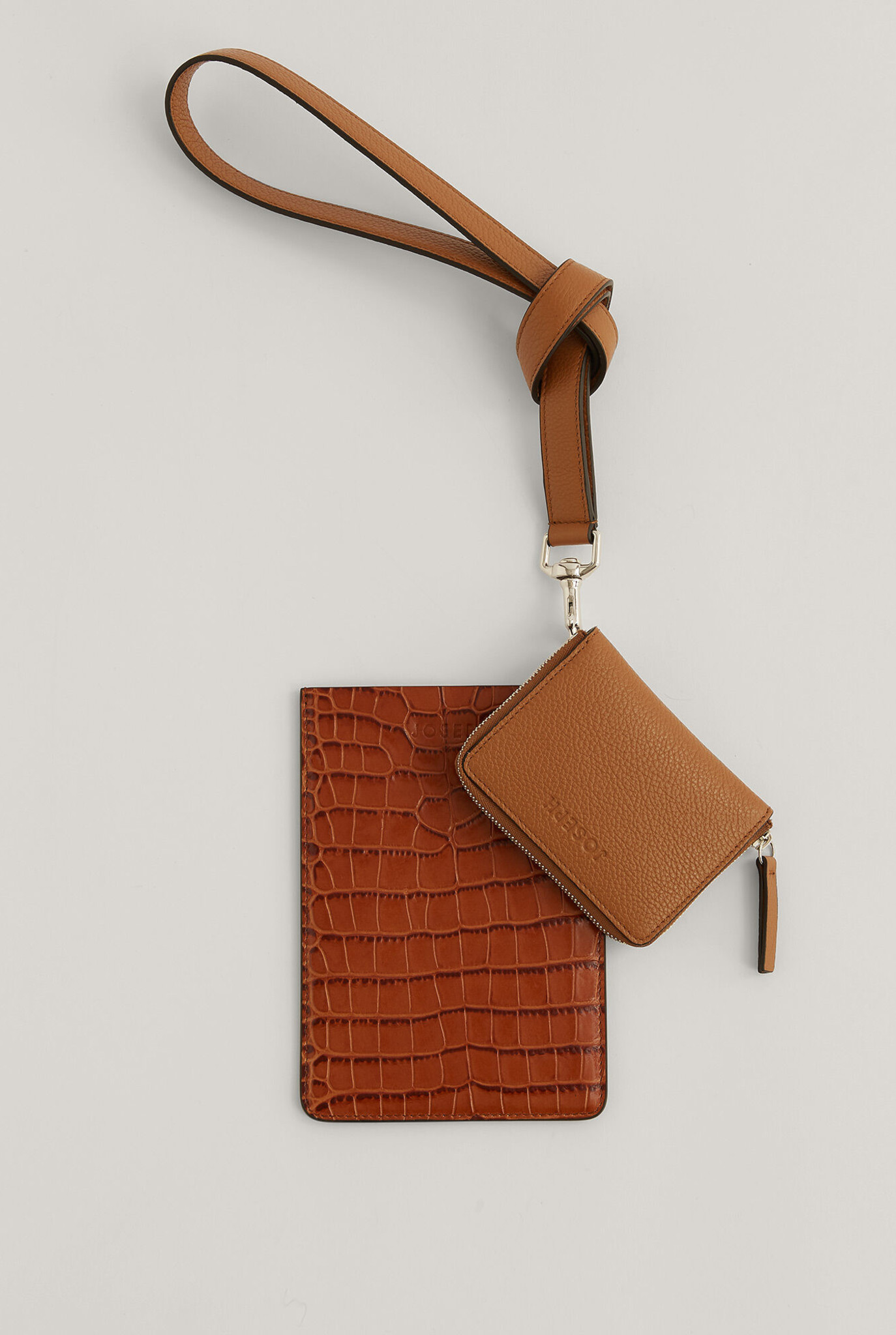Multi Pocket leather bag Cognac