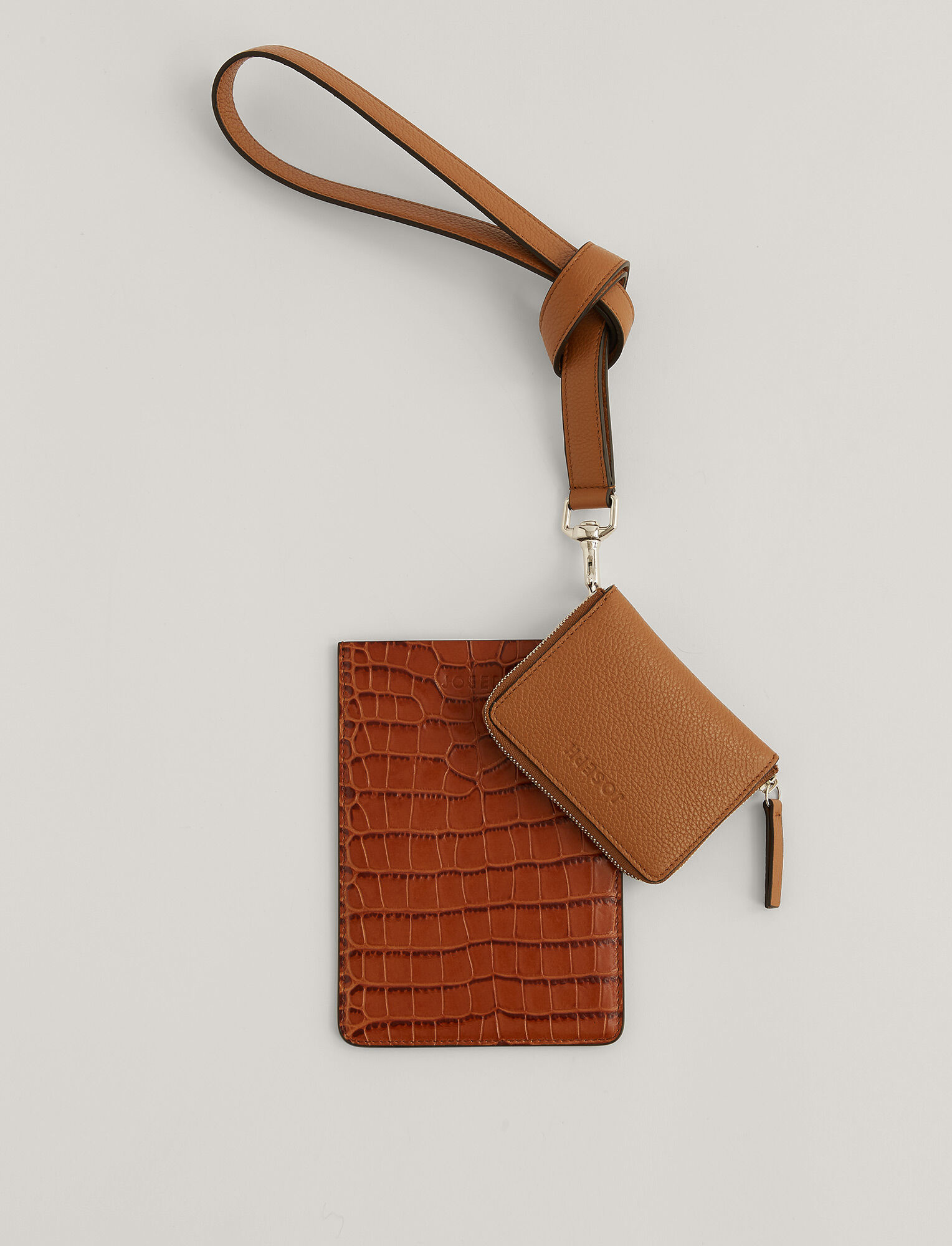 Multi Pocket leather bag Cognac