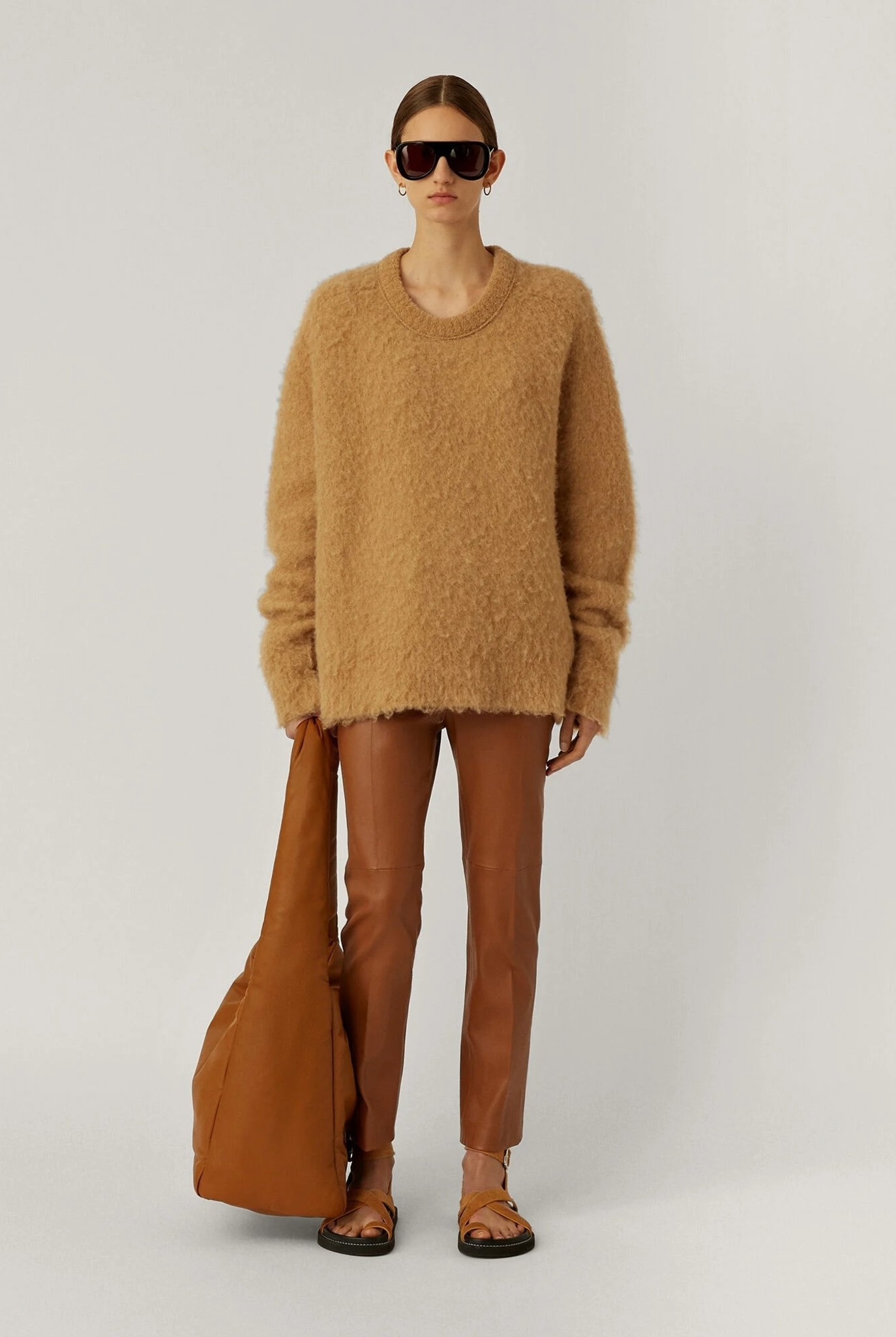 Round neck longsleeve brushed knit camel