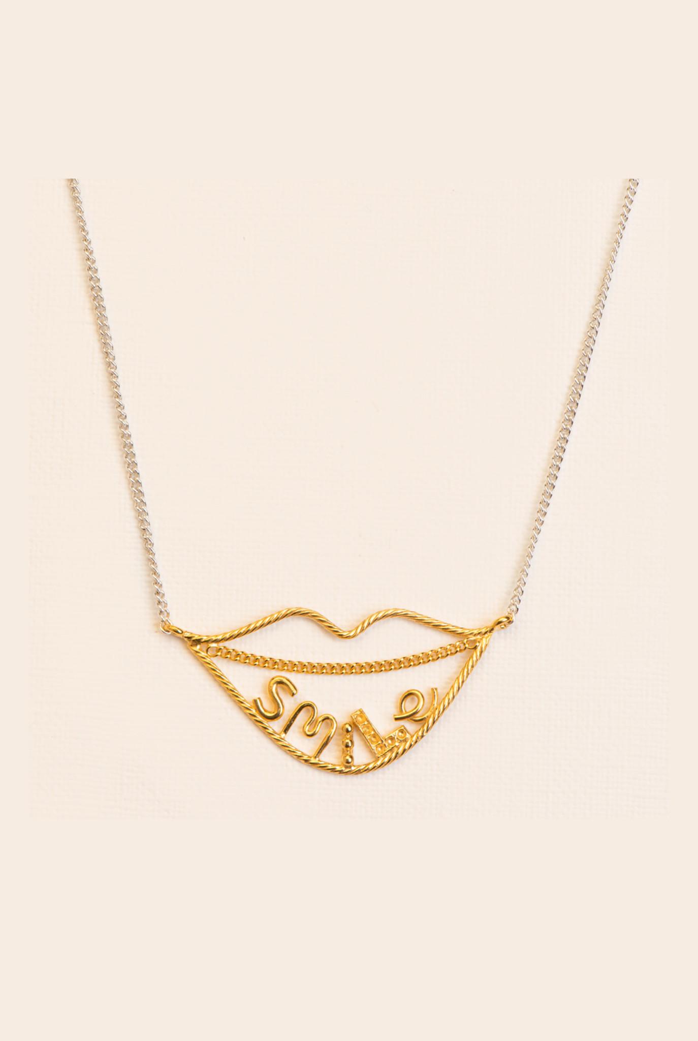 Fine smile necklace