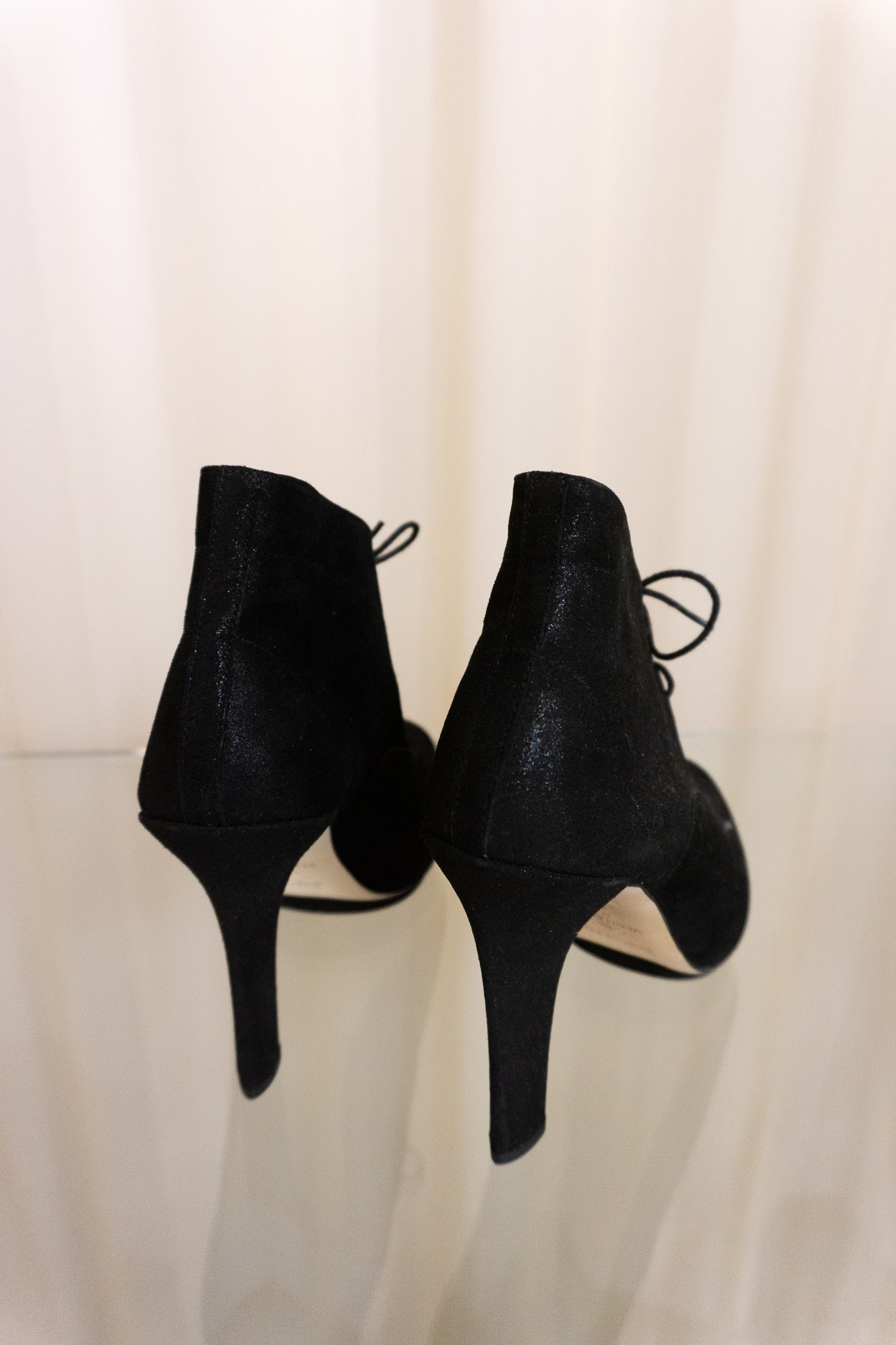 Carbone lace-up heels black