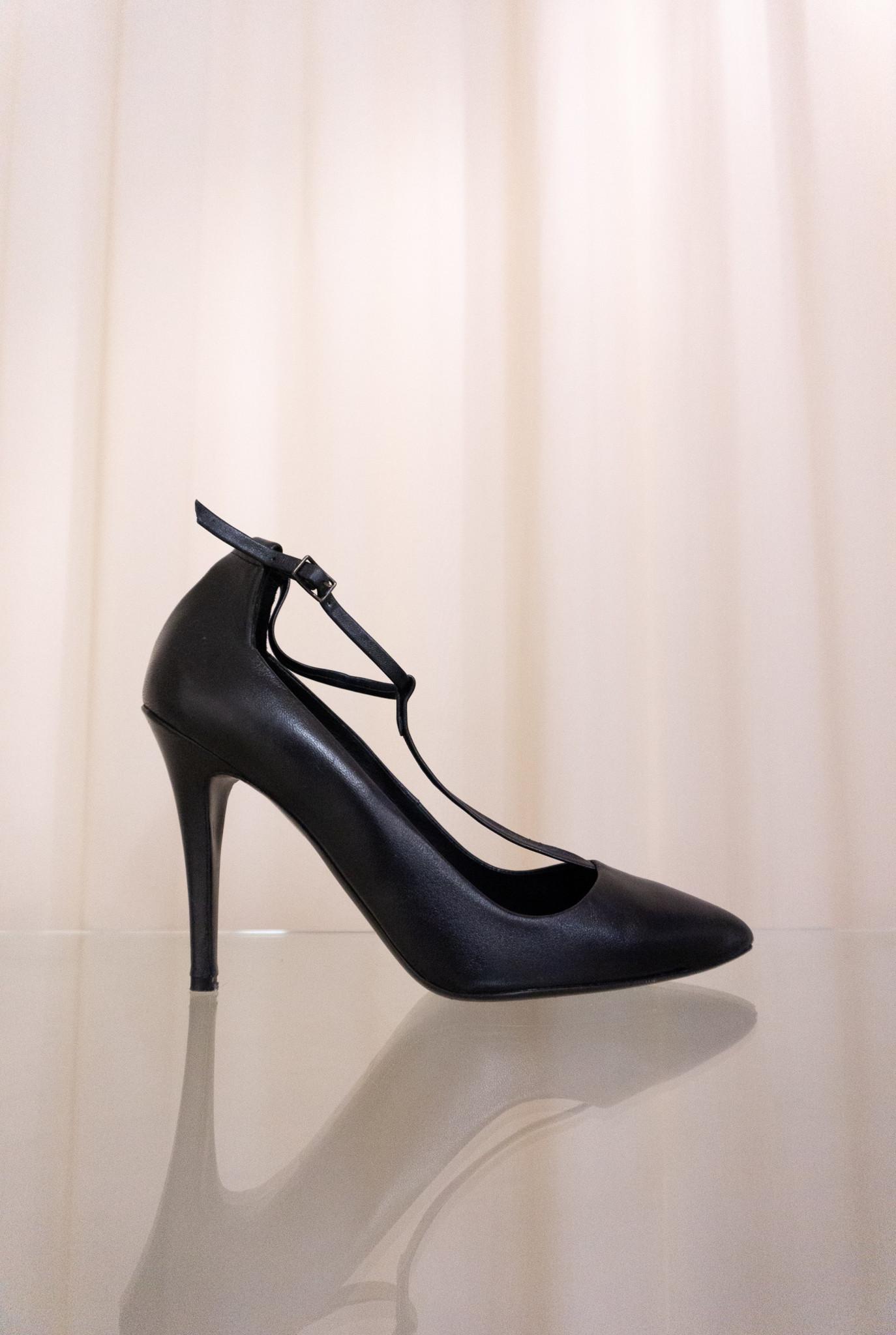 Oscar heels navy