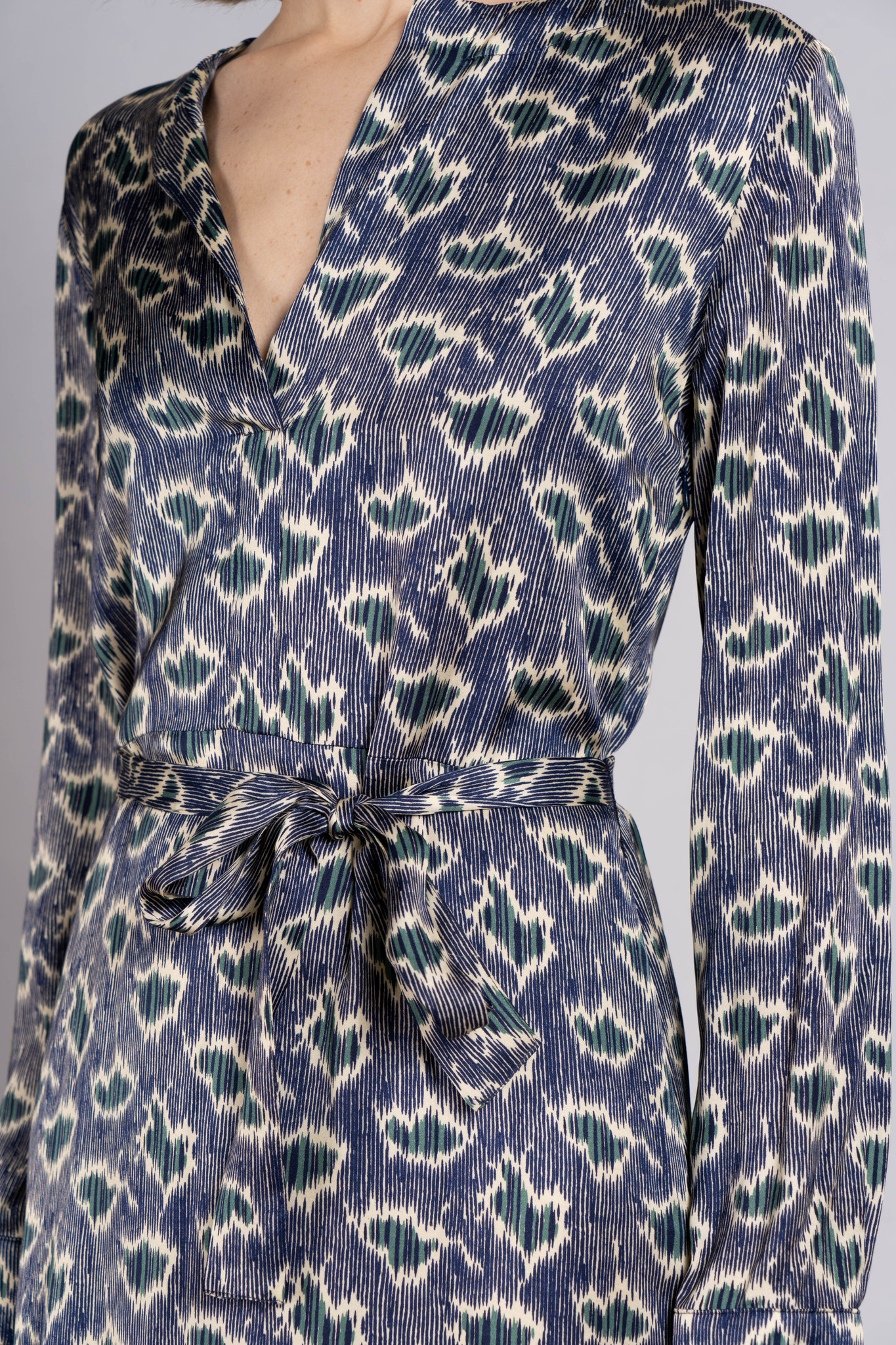 Madeleine dress Navy Green print