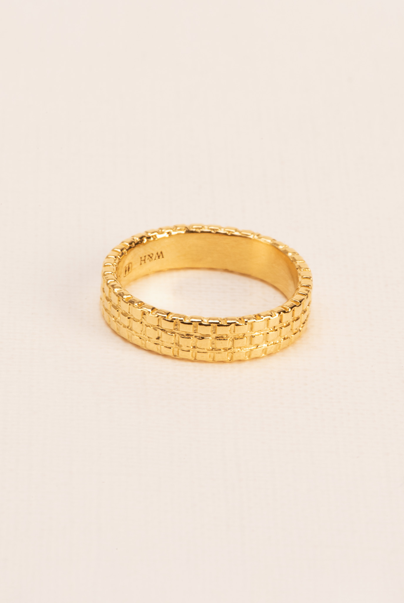 Ring with chain texture gold plated